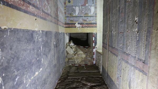 Вход в гробницу времен пятой династии фараонов, найденной в Саккаре