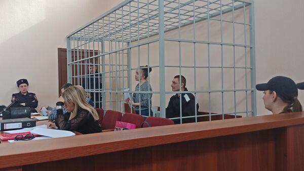 Вера Бегун и Станислав Бердников в зале суда