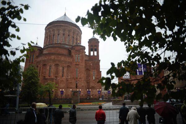 Кафедральный собор Армянской апостольской церкви (ААЦ) на территории армянского культурно-храмового комплекса в Москве