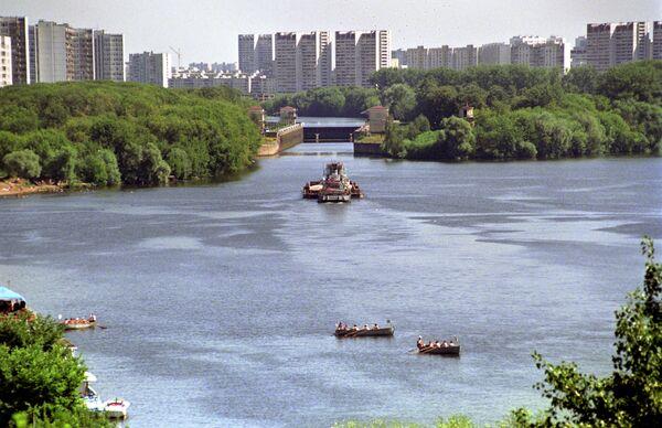 Москва-река в районе Капотни