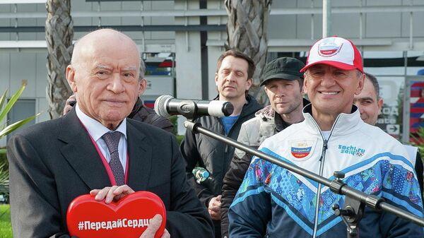 Президент Лиги здоровья нации, академик Лео Бокерия во время старта акции 10 000 шагов к жизни