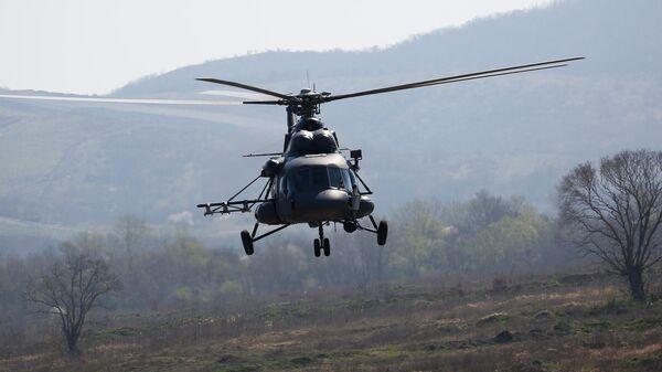 Вертолет Ми-8 АМТШ во время открытия международного конкурса полевой выучки среди воинских подразделений ВДВ Десантный взвод