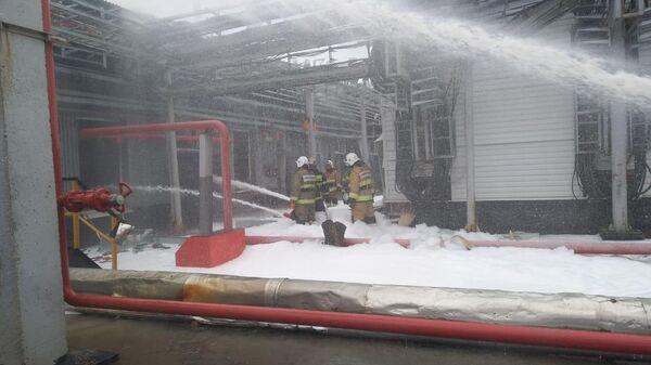 Тушение пожара на Новокуйбышевском заводе масел и присадок