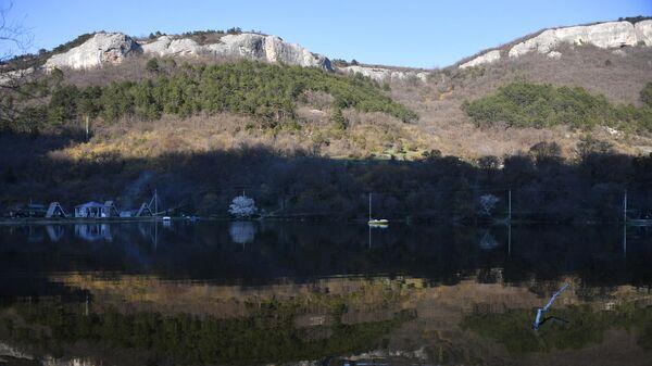 Мангупское озеро в Бахчисарайском районе в Крыму