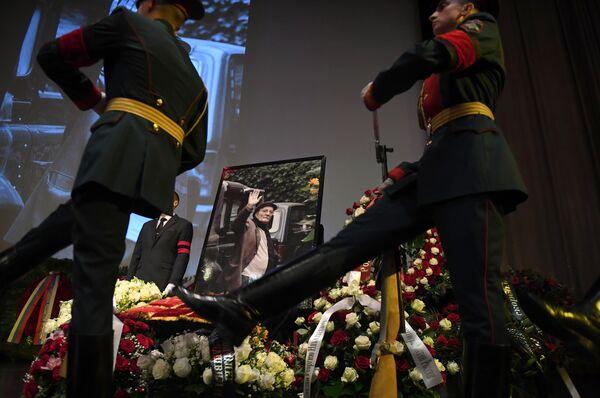 Церемония прощания с режиссером Георгием Данелией в Большом зале Центрального Дома кинематографистов в Москве