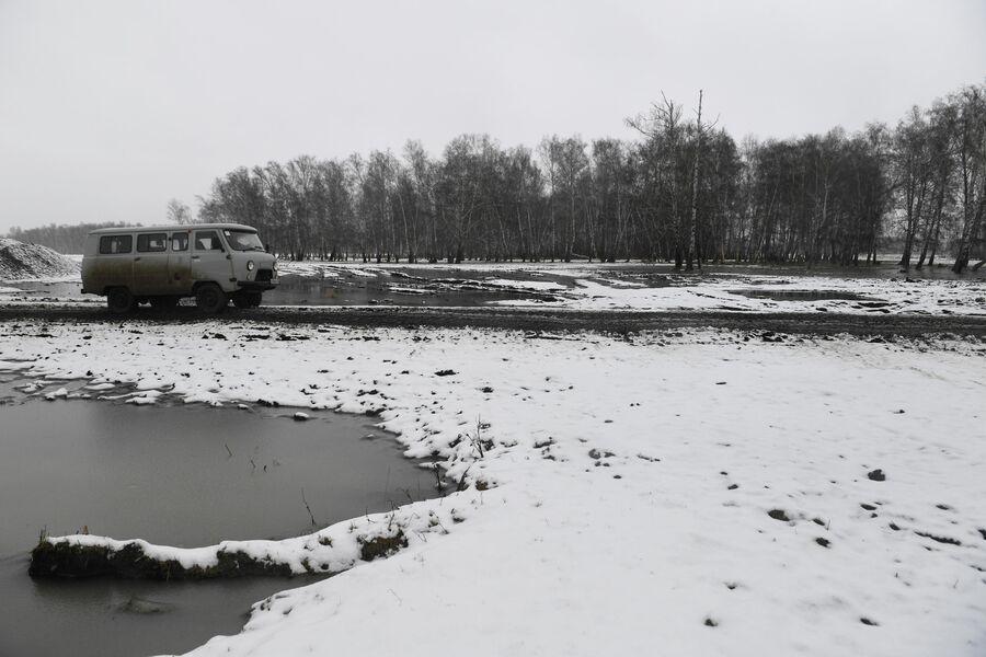Дорога в деревне Аполлоновка