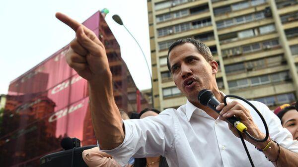 Эксперт оценил слова Гуаидо о конечной фазе операции по свержению Мадуро