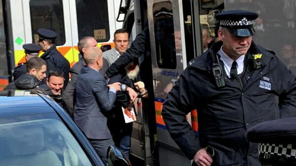 Основатель WikiLeaks Джулиан Ассанж после задержания в Лондоне. 11 апреля 2019