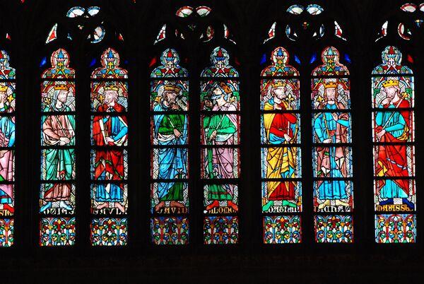 Витражи в соборе Нотр-Дам-де-Пари