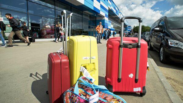Багаж туристов в аэропорту