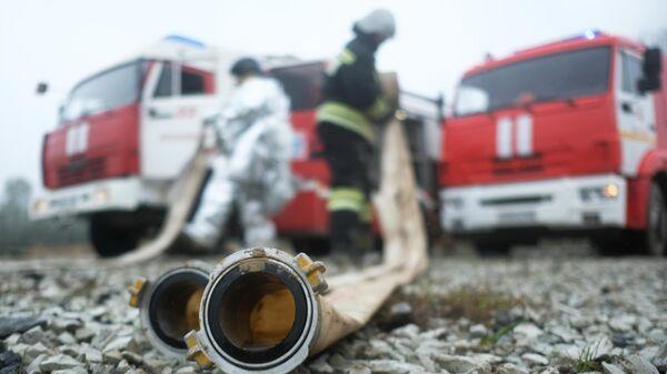 Сотрудники противопожарной службы МЧС РФ