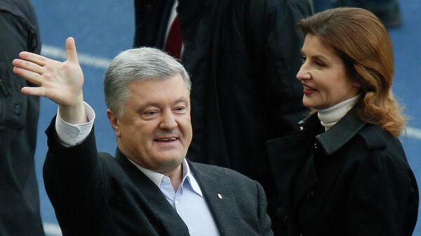 Кандидат в президенты Украины Петр Порошенко во время дебатов на стадионе Олимпийский в Киеве