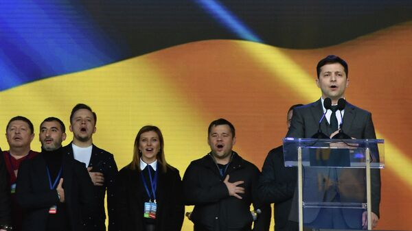 Кандидат в президенты Украины Владимир Зеленский во время дебатов в НСК Олимпийский в Киеве