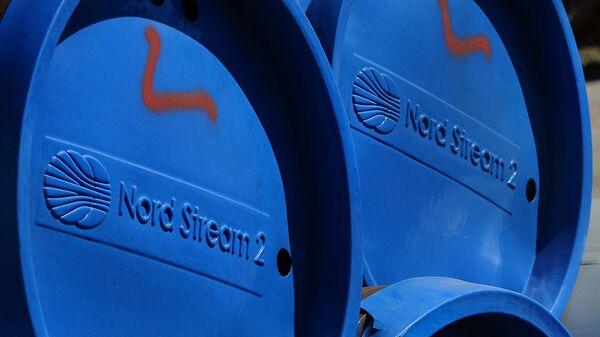 Фрагменты труб для строительства газопровода Северный поток-2 в окрестностях города Любмин. Архивное фото