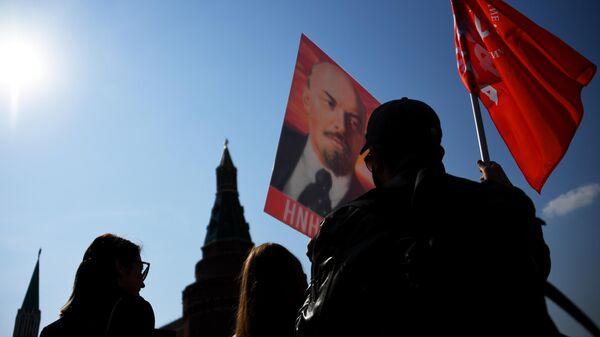 Возложение венков и цветов к Мавзолею В.И. Ленина