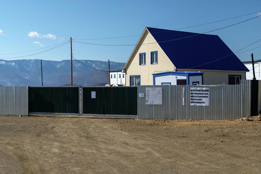 Проходная строящегося завода АкваСиб