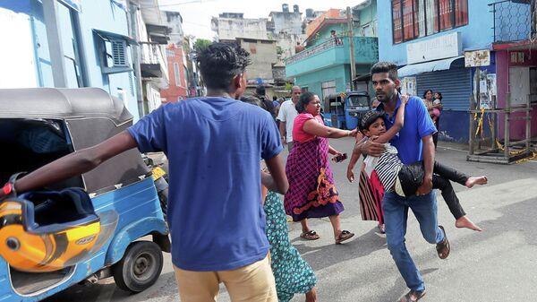 Туристы массово покидают Шри-Ланку после серии терактов