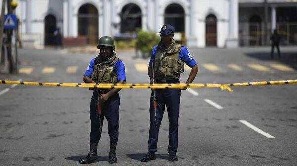 Сотрудники правоохранительных органов Шри-Ланки в Коломбо. 24 апреля 2019