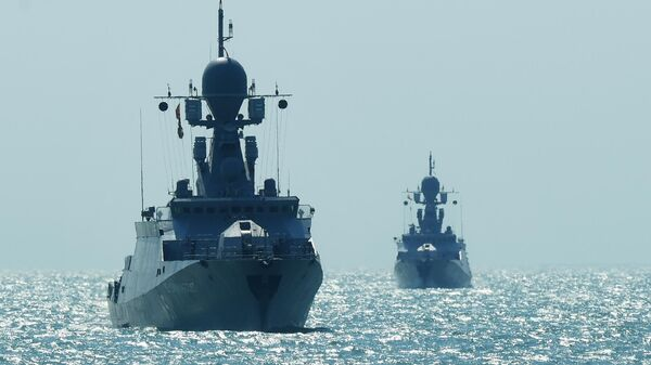 Малый ракетный корабль проекта 21631 Великий Устюг и Углич на учениях корабельных ударных групп Каспийской флотилии