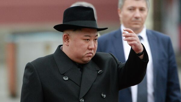 Лидер КНДР Ким Чен Ын на торжественной церемонии встречи во Владивостоке