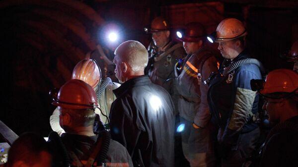 Спасательная операция на шахте Схидкарбон в поселке Юрьевка Луганской народной республики