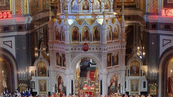 LIVE: Пасхальное богослужение в храме Христа Спасителя