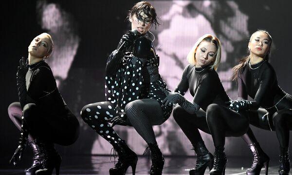 Певица MARUV выступает на музыкальной премии Жара Music Awards в Москве