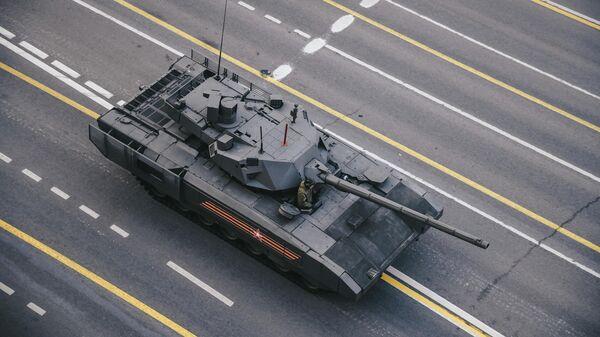 Танк Т-14 Армата перед началом репетиции военного парада, посвященного 74-й годовщине Победы в Великой Отечественной войне