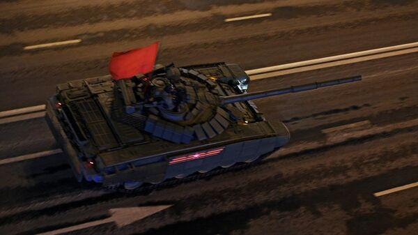 Танк Т-72Б3 на репетиции военного парада на Красной площади