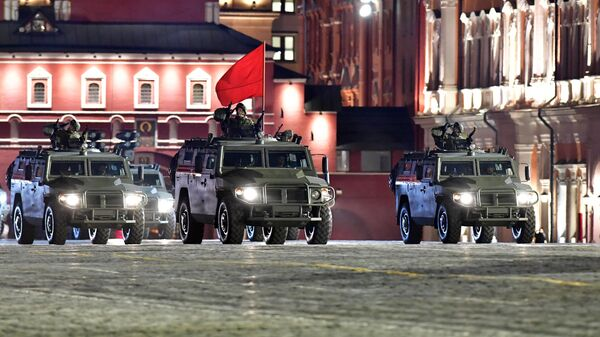 Автомобили Тигр-М на репетиции военного парада на Красной площади
