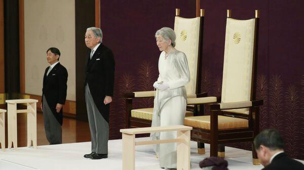 Император Японии Акихито и императрица Мичико во время церемонии отречения в Императорском дворце в Токио. 30 апреля 2019