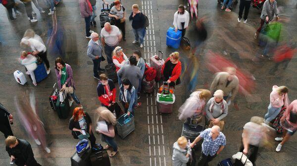 Пассажиры горящего Суперджета спасались с чемоданами. Можно ли их винить?