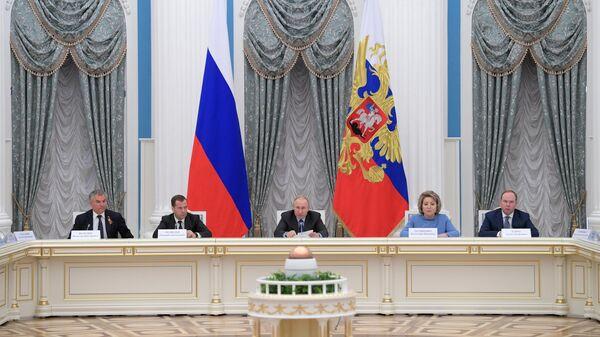Владимир Путин проводит заседание совета при президенте РФ по стратегическому развитию и национальным проектам. 8 мая 2019