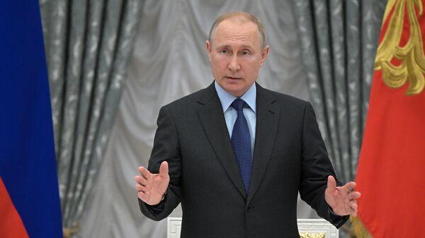 Президент РФ Владимир Путин во время заседания совета при президенте РФ по стратегическому развитию и национальным проектам