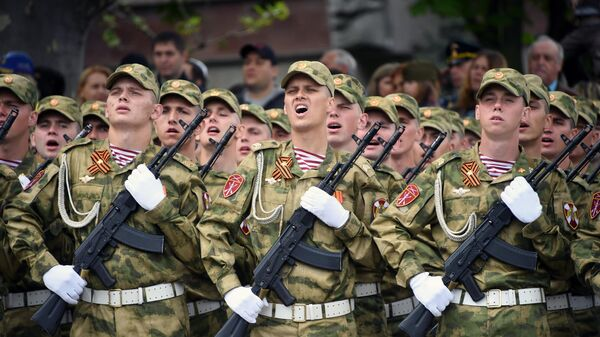 Военнослужащие войск Национальной гвардии РФ на военном параде в Севастополе, посвященном 74-й годовщине Победы в Великой Отечественной войне