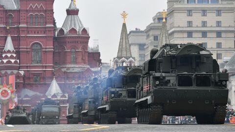 Всепогодный тактический зенитный ракетный комплекс ТОР-М2 на военном параде на Красной площади, посвящённом 74-й годовщине Победы в Великой Отечественной войне