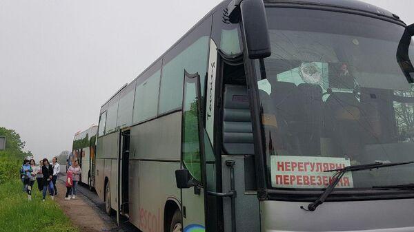 Поврежденный автобус под Кривом Рогом, направлявшийся на празднование Дня Победы. 9 мая 2019