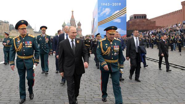 Президент РФ Владимир Путин после окончания военного парада на Красной площади в Москве