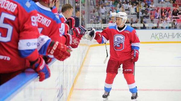 Президент РФ В. Путин принял участие в гала-матче Ночной хоккейной лиги
