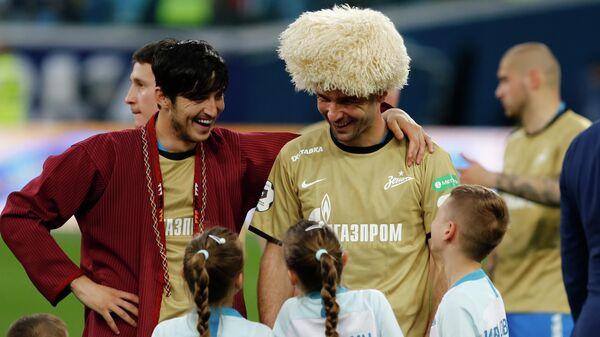Сердар Азмун и Бранислав Иванович
