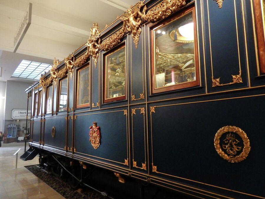 Нюрнберг. Музей железных дорог. Вагон Людвига II Баварского