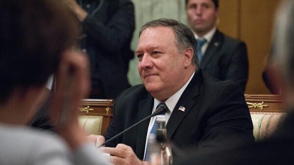 Госсекретарь США Майк Помпео во время встречи в Сочи с министром иностранных дел РФ Сергеем Лавровым