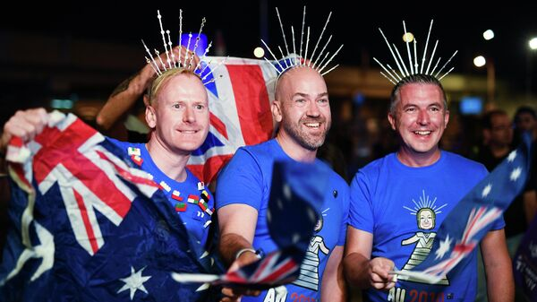 Болельщики из Австралии перед началом выступлений артистов в первом полуфинале международного конкурса Евровидение-2019. 14 мая 2019