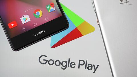 Смартфон Huawei и логотип Google Play