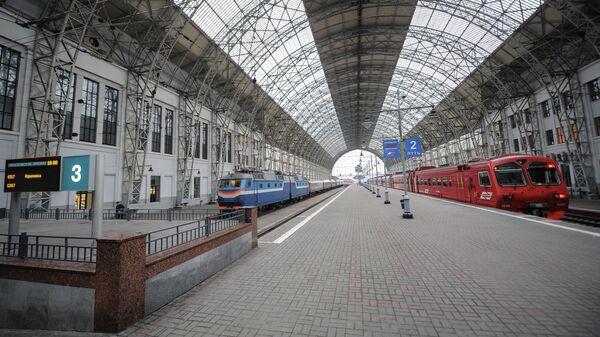 Благотворительная акция Белый цветок откроется 27 мая на вокзалах Москвы и Петербурга