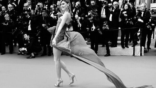 Немецкая топ-модель Стефани Гизингер на красной дорожке в рамках 72-го Каннского международного кинофестиваля