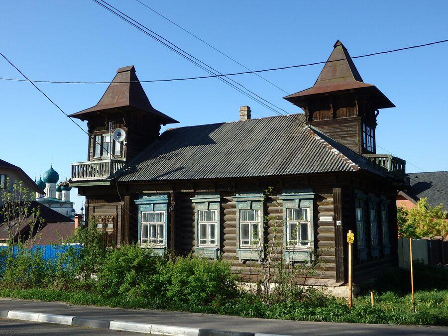 Дом с бельведерами