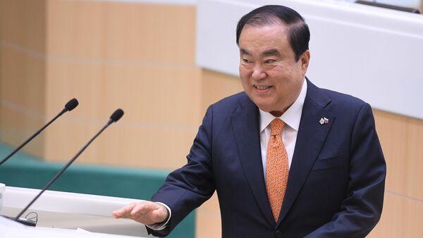 Глава Национального собрания Южной Кореи Мун Хи Сан выступает на заседании Совета Федерации РФ. 29 мая 2019