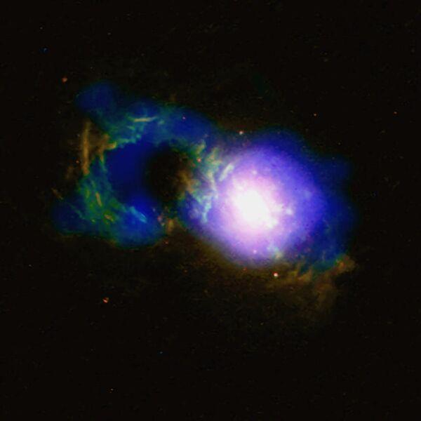 Квазар Teacup со сверхмассивной черной дырой SDSS 1430 + 1339