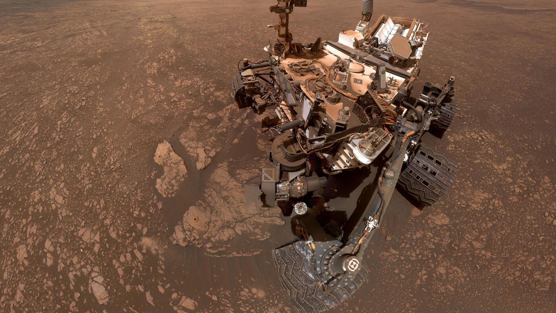 Марсоход Curiosity сделал сэлфи на фоне залежей глины - РИА Новости, 1920, 14.11.2020
